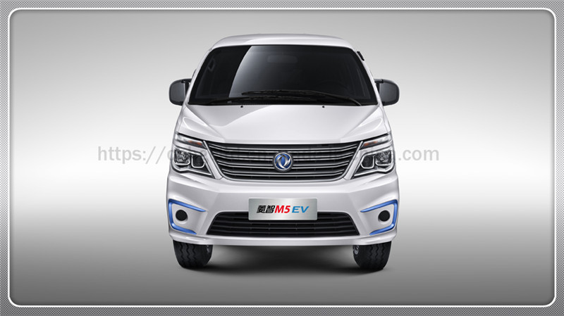 Five seats and seven seats lithium battery new energy business electric vehicle