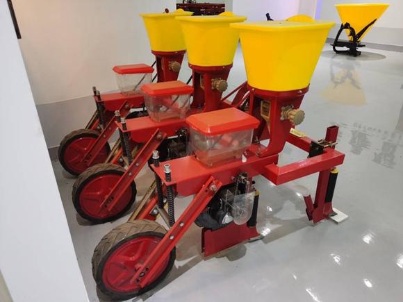 Corn seeder