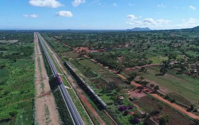 蒙内铁路:肯尼亚等了一个世纪 中国建了不足3年