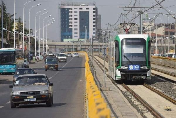中国轻轨解决埃塞首都交通问题 外媒:票价不到1元