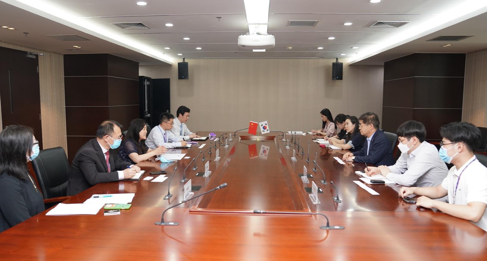 刘春副会长会见大韩贸易投资振兴公社中国地区本部长一行